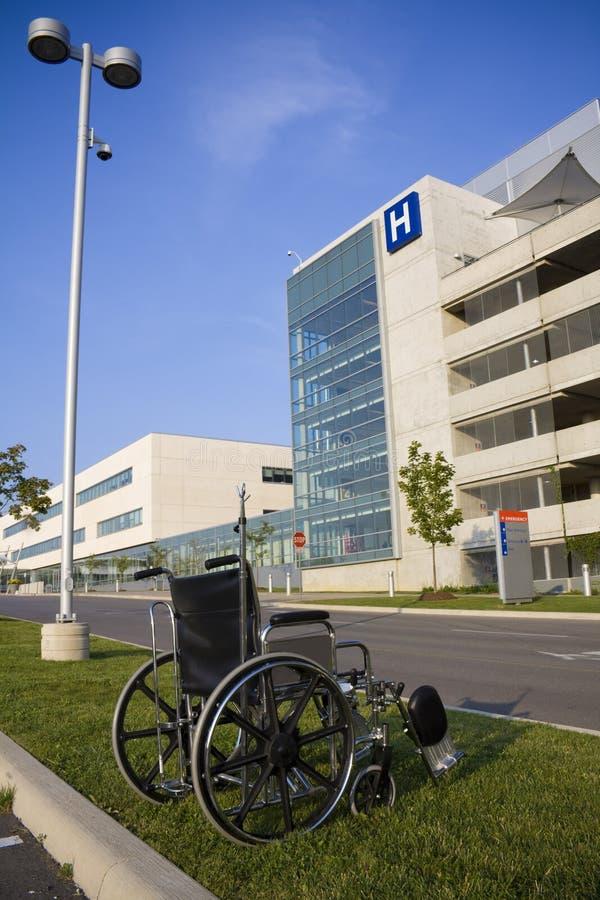 Muestra moderna del hospital y de la emergencia imagen de archivo