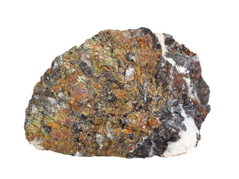 """Muestra natural de †de la calcopirita """"un mineral de cobre importante en el fondo blanco fotos de archivo libres de regalías"""