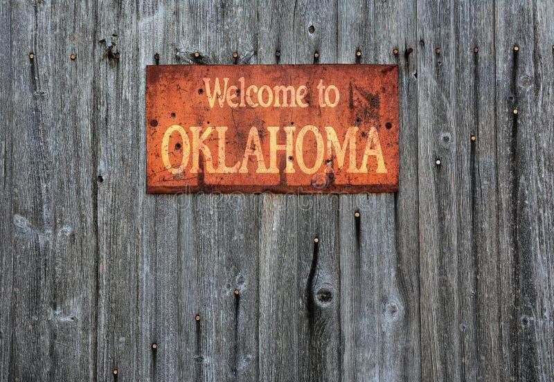 Muestra oxidada del metal con la frase: Recepción a Oklahoma fotos de archivo libres de regalías