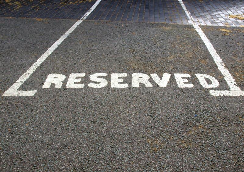 Muestra reservada del estacionamiento imagen de archivo libre de regalías