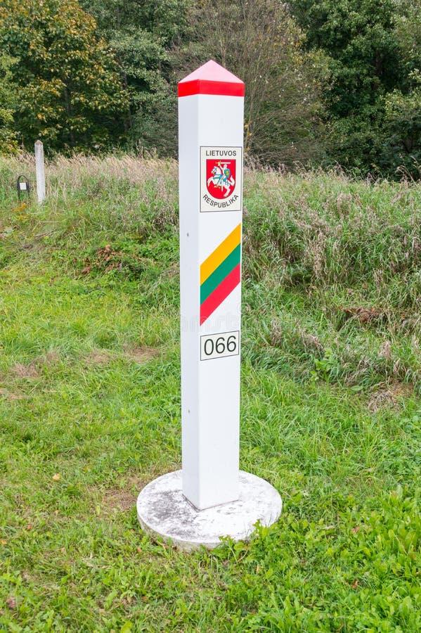 Muestra territorial lituana Puesto fronterizo en la frontera entre Polonia y Lituania fotos de archivo