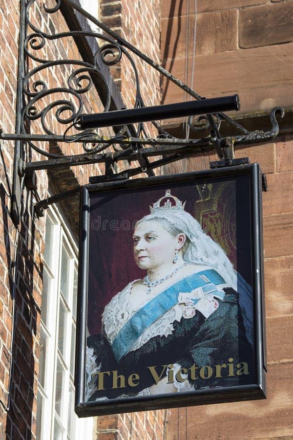 Muestra tradicional del Pub para Victoria en Chester imagenes de archivo