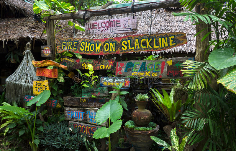 Muestras creativas y coloridas hechas a mano, Krabi, Tailandia foto de archivo libre de regalías