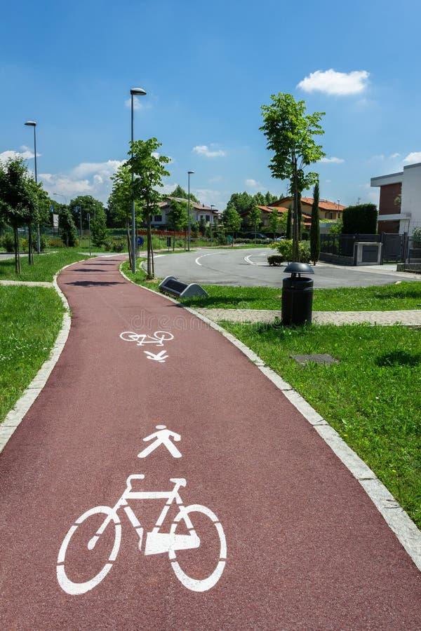 Muestras para los peatones y los ciclistas fotografía de archivo