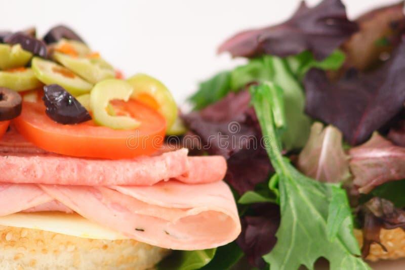 Muffaletta sanwich lizenzfreie stockbilder
