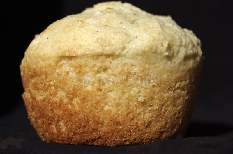Download Muffin καλαμποκιού στοκ εικόνες. εικόνα από θερμός, απομονωμένος - 13179376