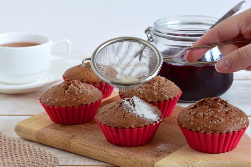Muffin con cacao immagine stock