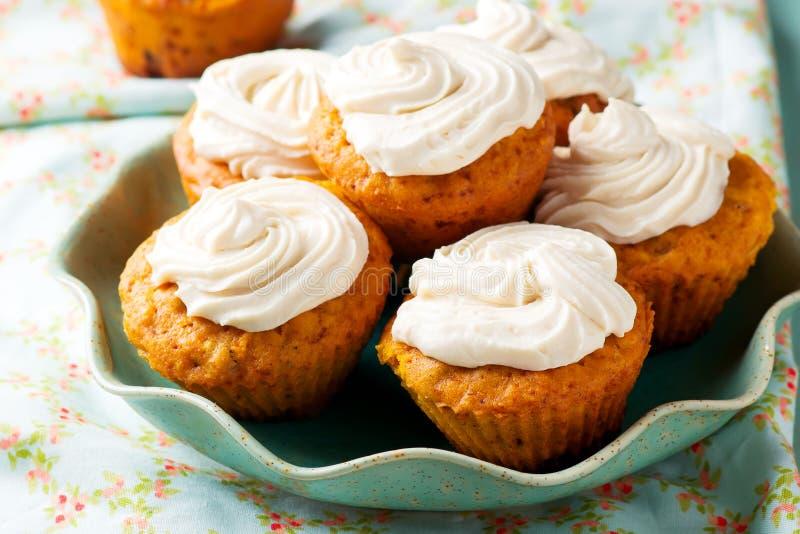 Muffin för morotkaka arkivfoton