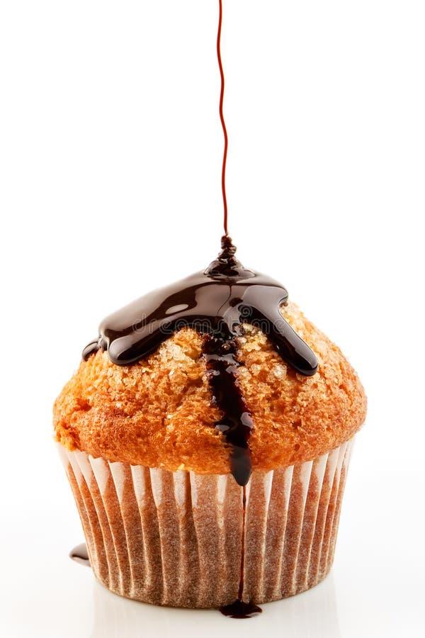 Muffin mit flüssiger Schokolade lizenzfreies stockbild