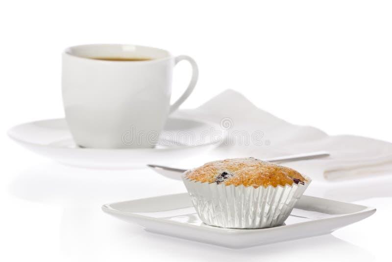 Muffin mit Tasse Kaffee stockfotografie