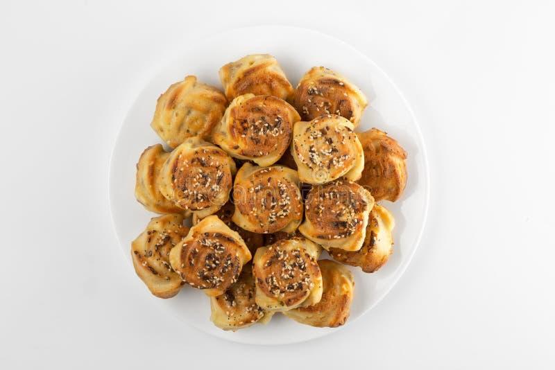 Muffin recentemente suportados de sal isolados no branco fotos de stock royalty free