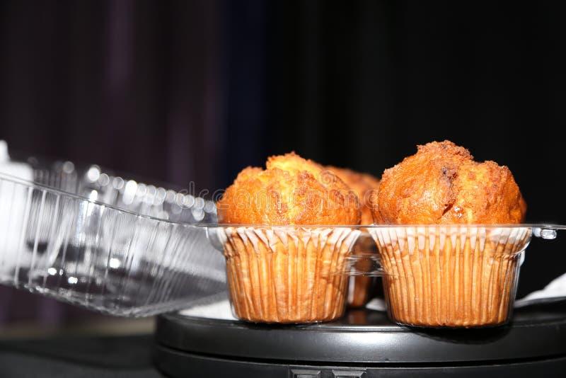 Muffinbovenkanten! Het schutblad van het ochtendontbijt! royalty-vrije stock afbeeldingen