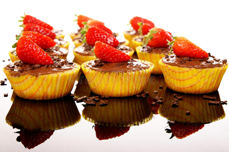 Muffins met aardbei royalty-vrije stock foto's