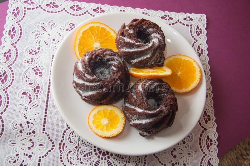 Muffins met sinaasappel royalty-vrije stock afbeelding