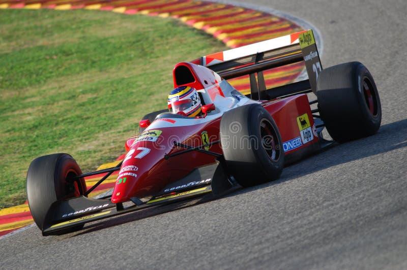 MUGELLO, IT, 2007年11月:未知数跑与历史的法拉利F1 F93a 1993前让・阿莱西在Finali Mondiali法拉利期间2007年 免版税库存图片