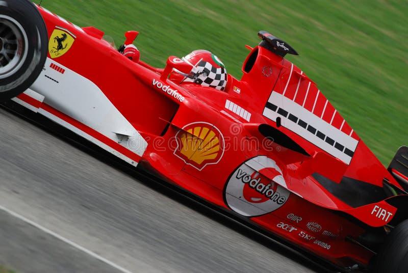 MUGELLO, ΤΠ, το Νοέμβριο του 2007: άγνωστο τρέξιμο με σύγχρονο Ferrari F1 κατά τη διάρκεια Finali Mondiali Ferrari 2007 στο κύκλω στοκ φωτογραφία