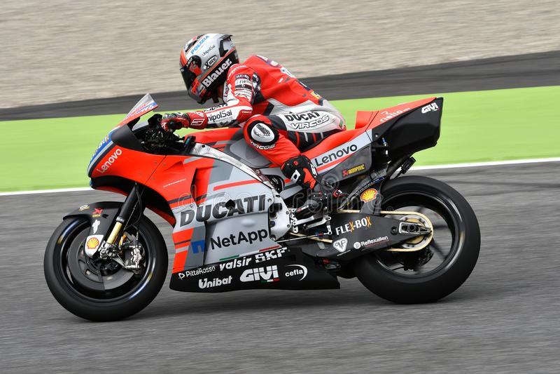 MUGELLO - ITÁLIA, O 1º DE JUNHO: Cavaleiro Michele Pirro da equipe de Ducati do italiano durante a sessão de prática em GP 2018 d imagens de stock royalty free