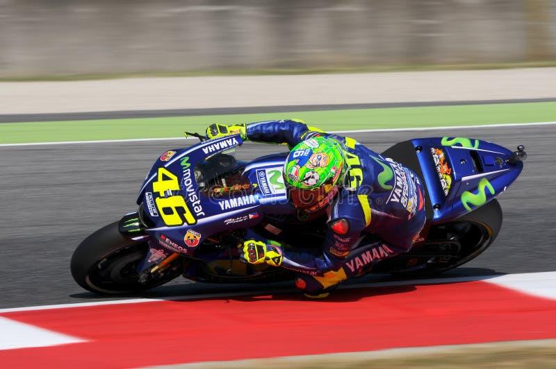 MUGELLO - ITÁLIA, O 3 DE JUNHO: Cavaleiro Valentino Rossi de Yamaha do italiano em GP 2017 de MotoGP de Itália o 2 de junho de 20 fotos de stock