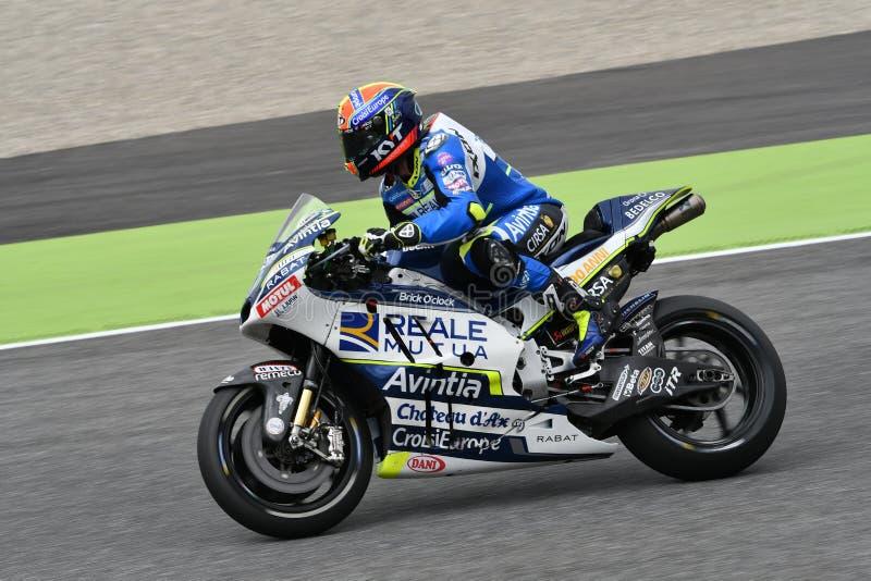 Mugello - ITALIË, 2 JUNI: Spaanse Ducati Reale die Avintia Team Rider Xavier Simeon rennen bij 2018 GP van Italië van MotoGP op J stock afbeelding