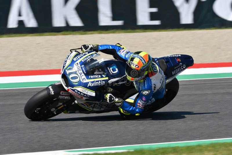 Mugello - ITALIË, 2 JUNI: Spaanse Ducati Reale die Avintia Team Rider Xavier Simeon rennen bij 2018 GP van Italië van MotoGP op J royalty-vrije stock afbeeldingen