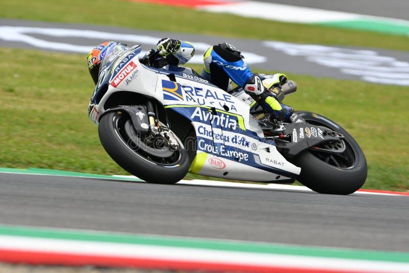 Mugello - ITALIË, 2 JUNI: Spaanse Ducati Reale die Avintia Team Rider Xavier Simeon rennen bij 2018 GP van Italië van MotoGP op J stock foto