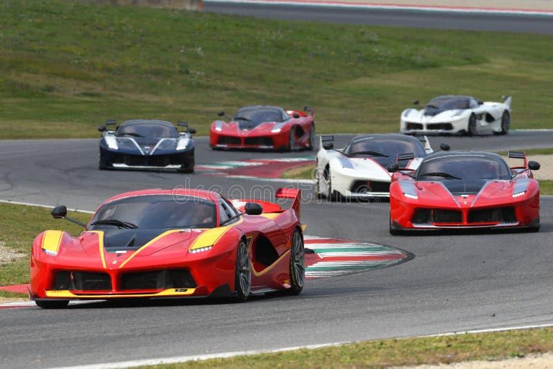 MUGELLO, ITALIA - 26 DE OCTUBRE DE 2017: Ferrari FXX-K en la acción durante Finali Mondiali Ferrrari 2017 - programas XX en el ci imagen de archivo libre de regalías