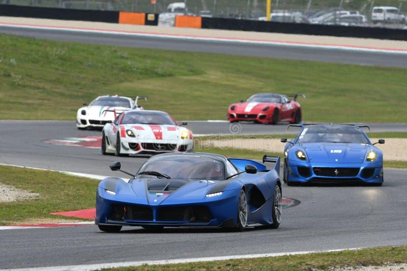 MUGELLO, ITALIA - 26 DE OCTUBRE DE 2017: Ferrari FXX-K en la acción durante Finali Mondiali Ferrrari 2017 - programas XX en el ci fotos de archivo