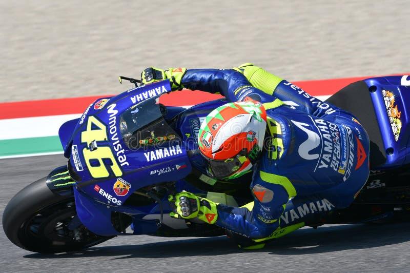 MUGELLO - ITALIE, LE 2 JUIN : Position réglée de Valentino Rossi Polonais de cavalier d'équipe de Yamaha Movistar d'Italien penda photographie stock libre de droits