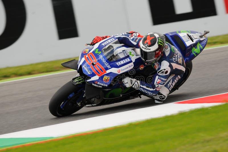 MUGELLO - ITALIE, LE 21 MAI : Le cavalier Jorge Lorenzo de Yamaha d'Espagnol gagne le TIM 2016 MotoGP de l'Italie au circuit de M image libre de droits