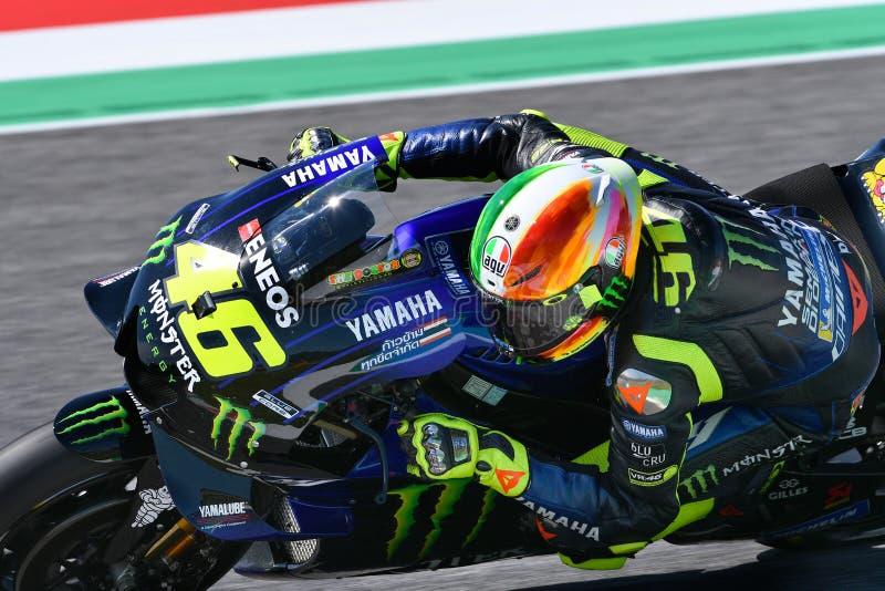 Mugello - Italien, am 1. Juni: Teamreiter Valentino Rossi Italiener-Yamahas Movistar in der Aktion bei GP 2019 von Italien von Mo lizenzfreie stockfotos