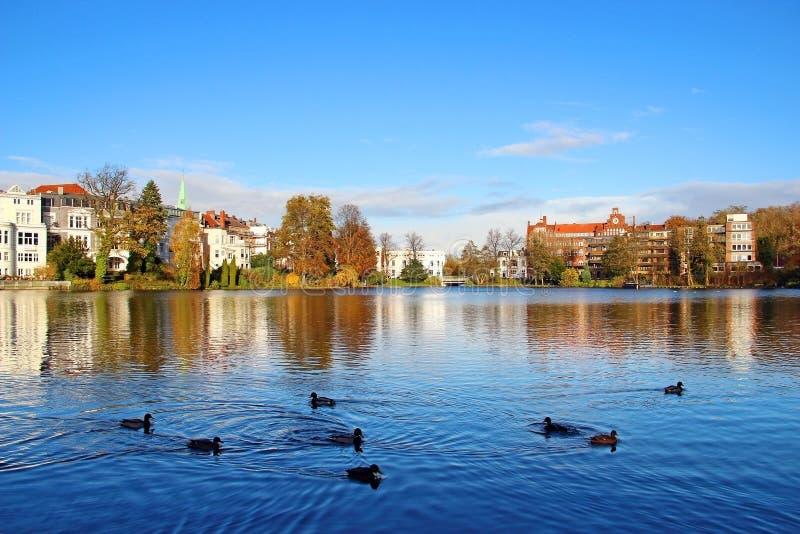 Muhlenteich, Lubeck, Alemania fotos de archivo