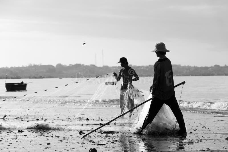 Vietnamesiska fiskare royaltyfri bild