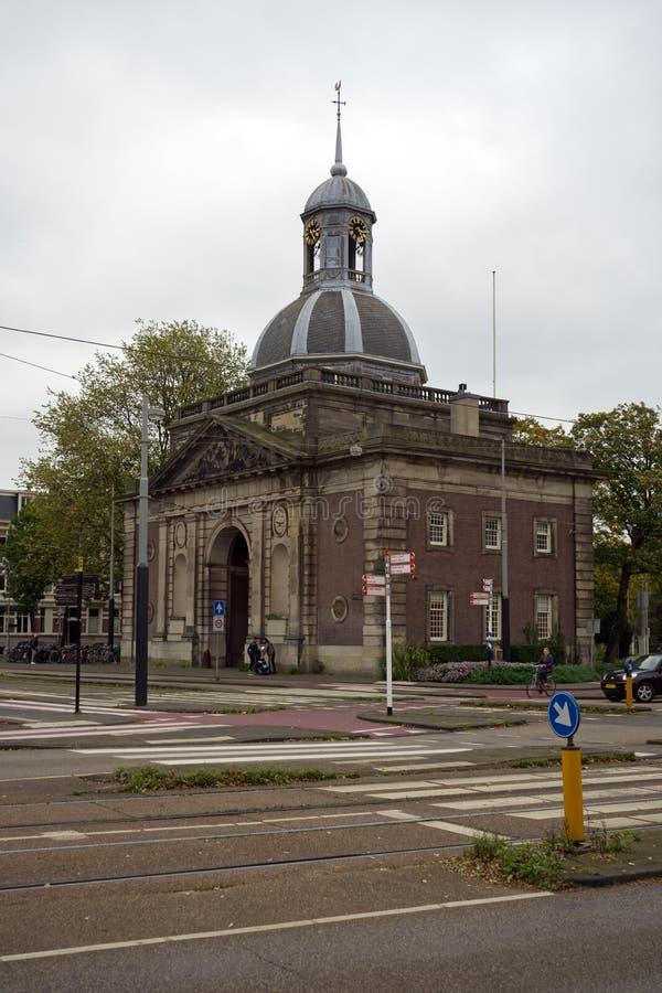 Muiderpoort - portoni della città in Alexanderplein, Amsterdam, Paesi Bassi, il 13 ottobre 2017 fotografie stock