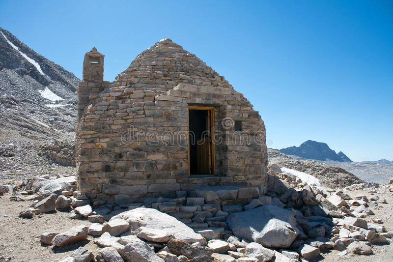 Muir Hut on the John Muir Trail. On Muir Pass in the Kings Canyon National Park. A place to seek protection during a storm stock image