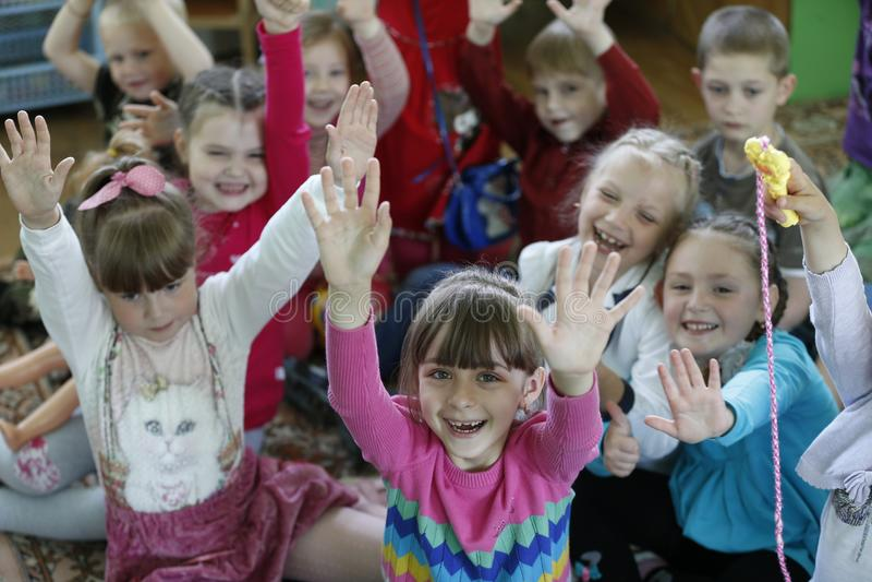 Muitas crianças em idade pré-escolar imagem de stock