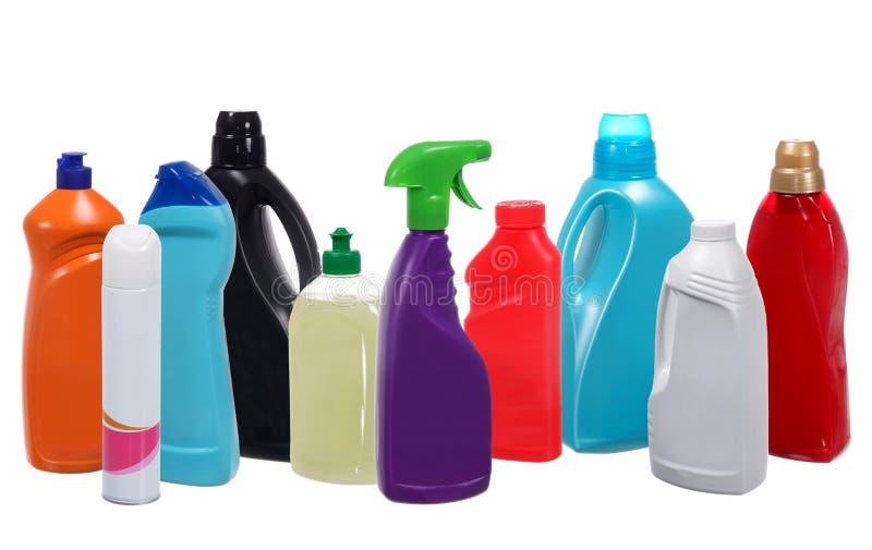 Muitas garrafas plásticas diferentes de produtos de limpeza fotos de stock royalty free