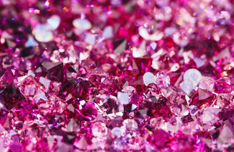 Muitas pedras pequenas do diamante do rubi, fundo luxuoso fotografia de stock