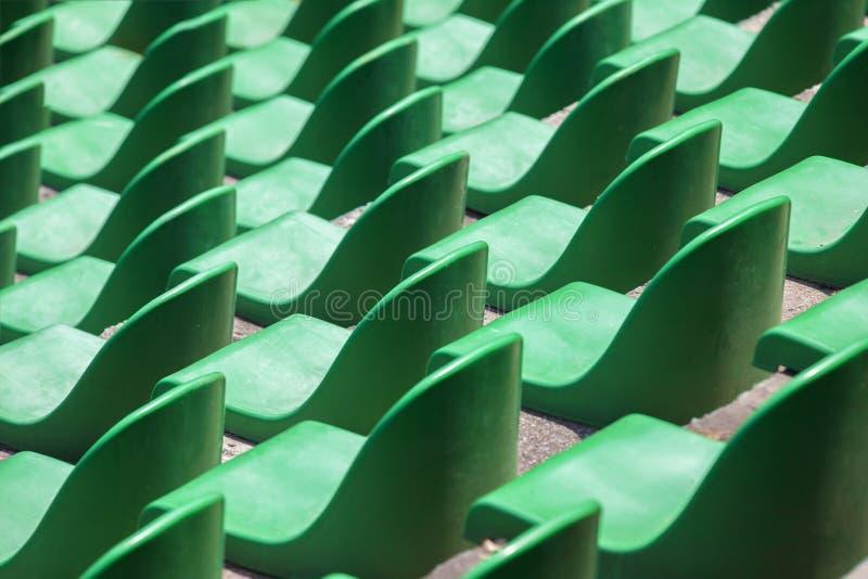 Muitos assentos do estádio foto de stock
