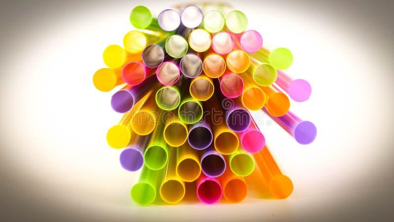 muitos, bebida, cocktail, arte, tubo, partido, bebida, palha, plástico, sumário, cor, colorida fotografia de stock