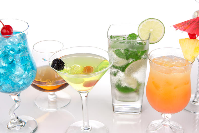 Muitos cocktail com mojito do álcool, martini fotografia de stock