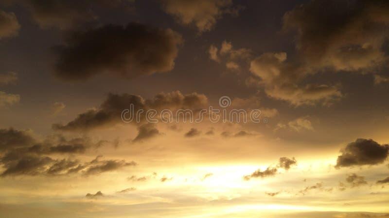 Muitos colorem o céu fotos de stock