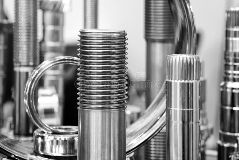 Muitos tipos de metal detalham o fundo do projeto industrial Conceito da engenharia industrial fotos de stock royalty free