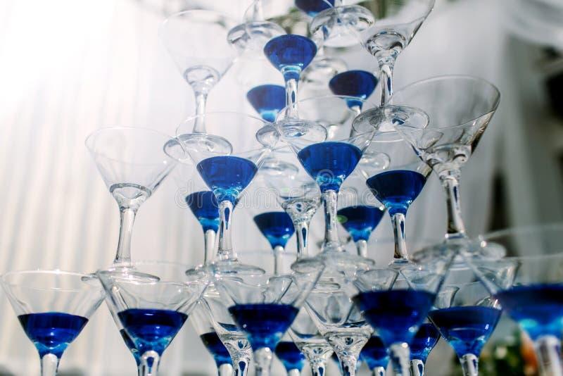 Muitos vidros de cocktail fotografia de stock