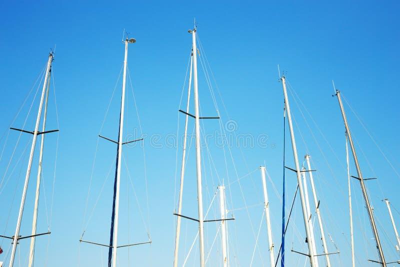 Muitos yacht mastros fotografia de stock
