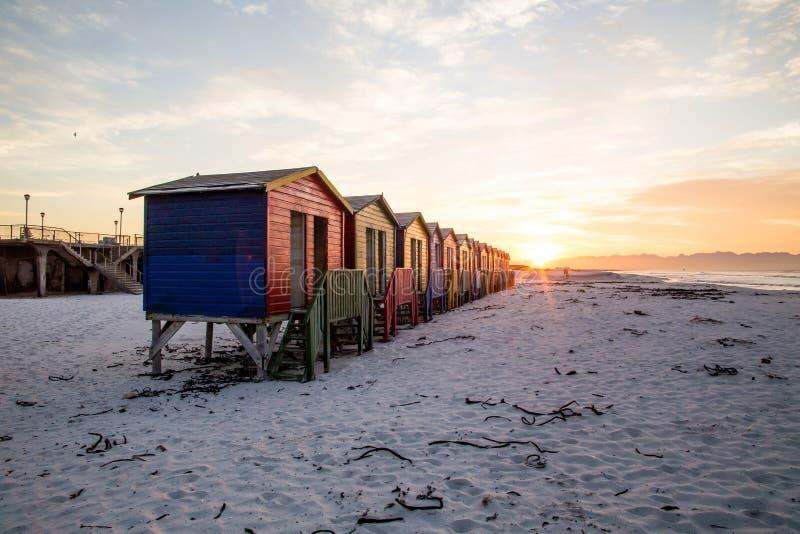 Muizenberg förlägga i barack soluppgång fotografering för bildbyråer