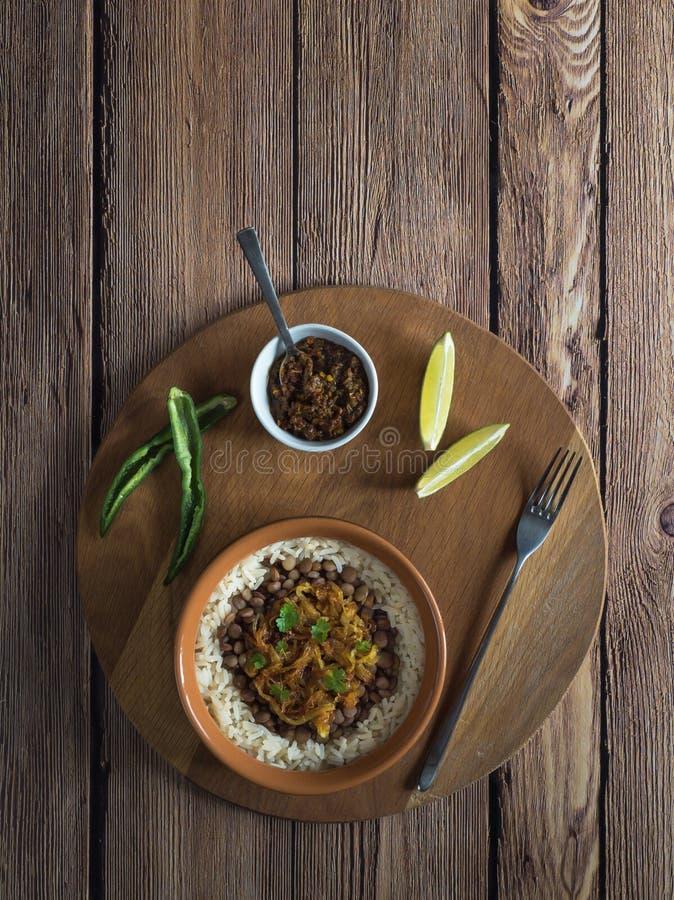 Mujadarra - arabski naczynie z ry? i soczewicami fotografia stock