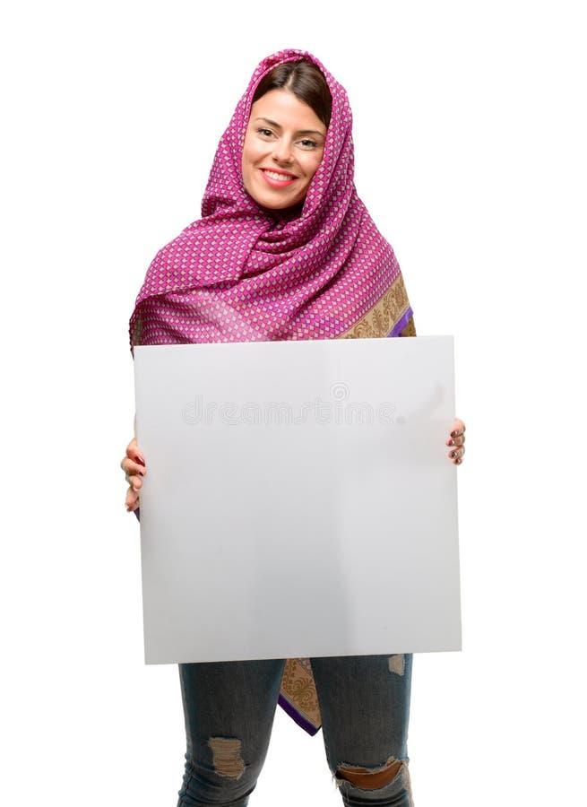 Mujer árabe joven fotografía de archivo libre de regalías