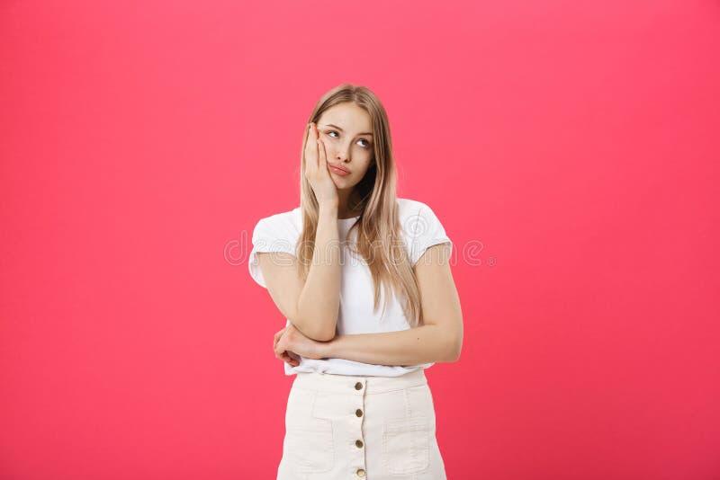 Mujer aburrida Agujereando, entorpezca, concepto aburrido Mujer emocional bastante caucásica de los jóvenes Emociones humanas, ex foto de archivo libre de regalías
