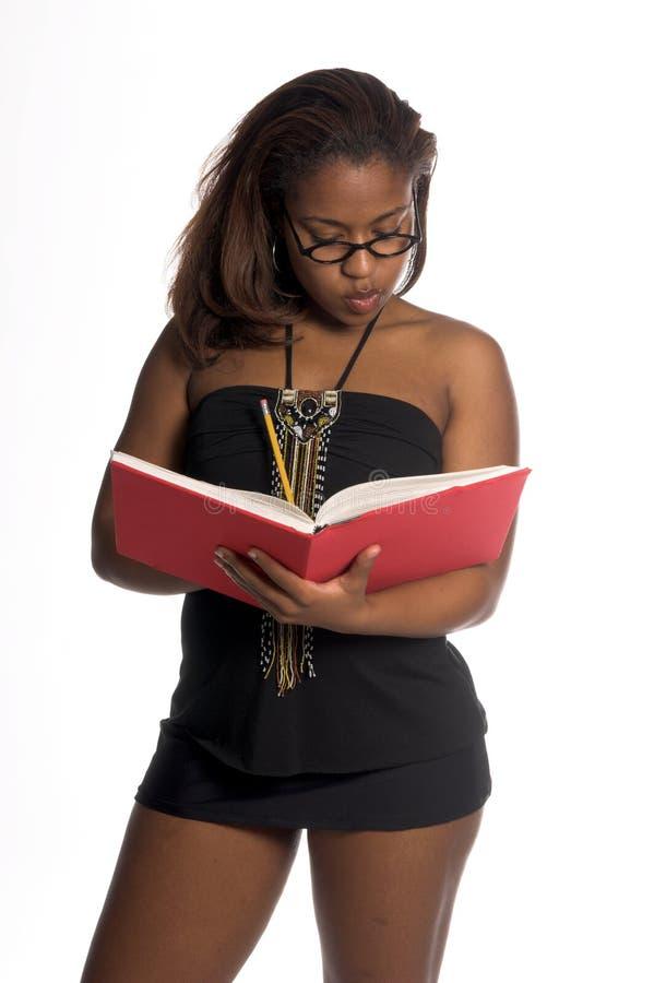 Mujer africana atractiva imagen de archivo libre de regalías
