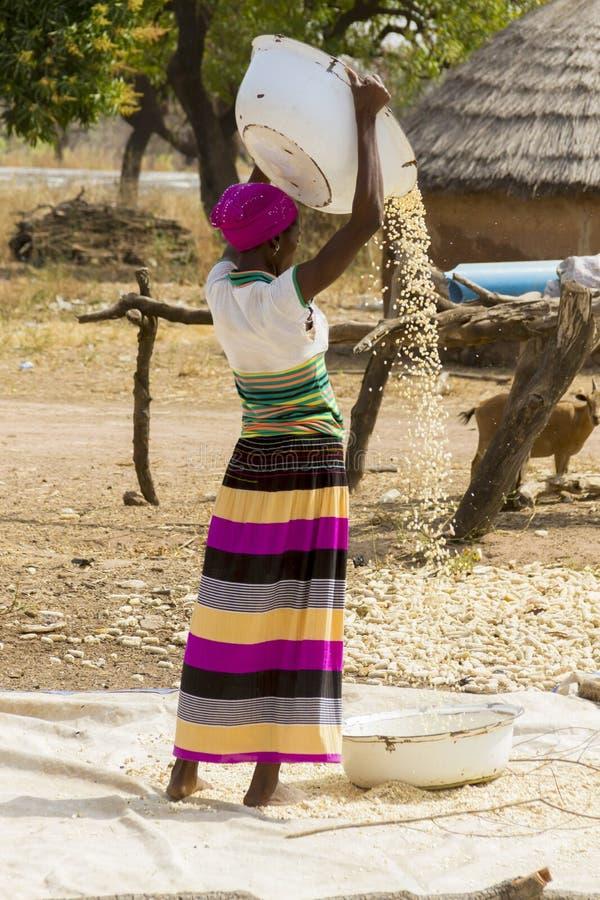 Mujer africana en Ghana imagen de archivo